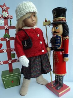 Nutcracker-Sweet-4-pcs-Hand-Knitted-Outfit-for-Sasha-Dolls