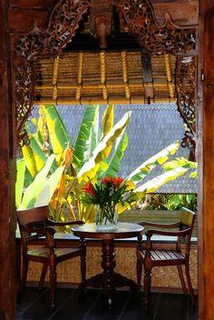 tropical decor  Google Image Result for http://www.jaynehalsey.com/casaluna/img/guesthouse/rooms/hanuman/hanuman7.jpg