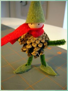 Disguising Pine Cone Ideas | Martha Stewart P - Pine Cone Crafts for Kids #Disguising #Pine #Cone #Ideas #Martha #Stewart #Pine #Cone #Crafts #for #Kids Kids Crafts, Creative Crafts, Felt Crafts, Diy And Crafts, Felt Diy, Pine Cone Crafts For Kids, Wooden Crafts, Noel Christmas, Christmas Projects