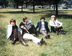 The Rolling Stones, 1963-1969: Behind-the-Scenes Snapshots Pictures - Field Day | Rolling Stone