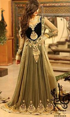 #Saree #indian wedding #fashion #style #bride #bridal party #brides maids #gorgeous #sexy #vibrant #elegant #blouse #choli #jewelry #bangles #lehenga #desi style #shaadi #designer #outfit #inspired #beautiful #must-have's #india #bollywood #south asain