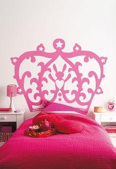 Sparkling pink girls room #princess   Een koninklijke prinsessen kamer in sprankelend roze!