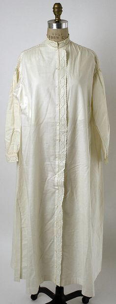 1850s Nightgown