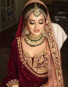 ideas for indian bridal makeup sabyasachi Indian Bridal Outfits, Indian Bridal Makeup, Indian Bridal Fashion, Indian Bridal Lehenga, Indian Bridal Wear, Asian Bridal, Indian Wedding Bride, Indian Wedding Jewelry, Bridal Jewellery