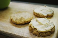 Easy Flourless Peanut Butter Cookies with Mascarpone-Fig Frosting | Suitcase Foodist