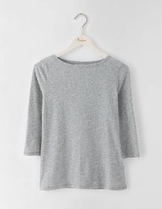 Boden Featherweight Boatneck Tee Grey Marl Women Crew necks, look out: theres a new neckline on the scene. Weve added a boat neck for a modern twist and three-quarter-length sleeves for ladies who love to get stuck in (or show off their watches). As http://www.MightGet.com/january-2017-13/boden-featherweight-boatneck-tee-grey-marl-women.asp