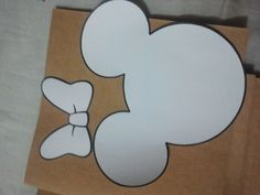 Minnie Mouse Outline, Minnie Mouse Template, Minnie Mouse Drawing, Minnie Mouse Silhouette, Minnie Mouse First Birthday, Mickey Mouse Clubhouse Birthday Party, Mouse Parties, Mickey Minnie Mouse, Theme Mickey