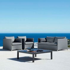 The Penthouse Coffee Table has an aluminium frame and a table top of a choice of colour including ceramic graphite and ceramic white. Suitable for all outdoor spaces. Outdoor Furniture Sets, Furniture, Chic Living Room, Deck Furniture, Sofa, Table, Outdoor Furniture, Home Decor, Coffee Table