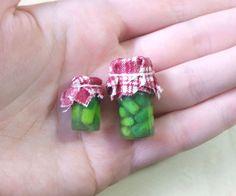 Tutorial: Miniature Pickle Jar - Polymer Clay