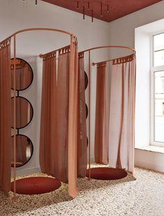 Home Decor Hallway Hallelujah Showroom - Picture gallery Boutique Design, Design Shop, Boutique Decor, Bar Design, House Design, Studio Design, Design Ideas, Boho Boutique, Boutique Stores