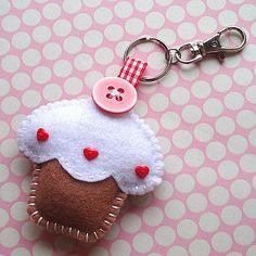 Handmade Felt Cupcake Keyring Charm Toffee by ilovehearts on Etsy, Felt Diy, Handmade Felt, Felt Crafts, Fabric Crafts, Sewing Crafts, Sewing Projects, Felt Keychain, Keychains, Felt Decorations