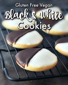 Classic New York Black and White Cookie - a vegan version of the iconic New York treat - soft and cakey and perfect to dunk in your coffee or milk! Yummy Cookies, Cupcake Cookies, Delicious Vegan Recipes, Delicious Desserts, Meatless Recipes, Black And White Cookie Recipe, Vegan Comfort Food, Comfort Foods, Food Test