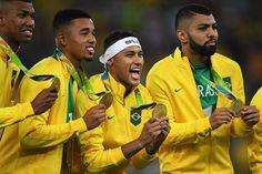 Jogadores do Brasil conquistam a medalha de ouro após derrotas consecutivas
