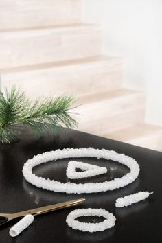 Grow crystal pendants – minimalist tree decoration - Diy And Crafts idea Christmas Decorations To Make, Tree Decorations, Growing Crystals, Seed Bombs, Crystal Pendant, Diy For Kids, Jewelry Crafts, Diy And Crafts, Projects To Try
