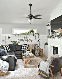 Farmhouse living room wall decor diy designs and decoration small