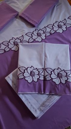Cutwork Embroidery, Hand Work Embroidery, Shirt Embroidery, Embroidery Fashion, Free Machine Embroidery, Hand Embroidery Designs, Applique Designs, Embroidery Stitches, Embroidery Patterns