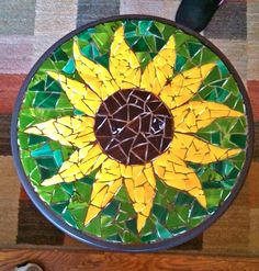 Jay's Mosaics of Bristol~ Sunflower patio tableideas for mosaic sunflower art Mosaic Birdbath, Mosaic Garden Art, Mosaic Tile Art, Mosaic Artwork, Mosaic Glass, Glass Art, Stained Glass, Mosaic Mirrors, Sea Glass