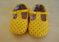 Como hacer zapatos para bebe en tela