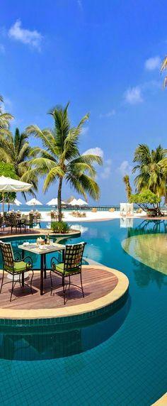 Kanuhura Resort... Maldives.
