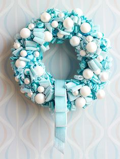 Oooo...pretty wreath with lots of fun textures & shapes!  Yum!!!