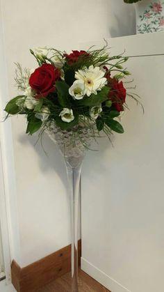 martini glass bouquet clear glass martini vase glass flower arrangements pinterest. Black Bedroom Furniture Sets. Home Design Ideas