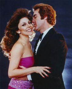 Los éxitos de Verónica en telenovelas fueron en ascenso, pero se consolidó como una de las reinas del género en 1979 con 'Los ricos también lloran', junto a Rogelio Guerra. Esta producción fue la más popular durante muchos años y le generó una fama que trascendió fronteras y le abrió las puertas de América Latina.