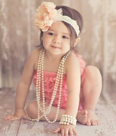 Kid photo ideas... @Natalie Jost Estrada, makes me think of Harper's adorable little pictures with the pearls/necklaces!