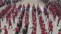 Cathay Pacific Flash Mob at HKG 2013 國泰航空快閃聖誕歌舞表演 2013 香港國際機場