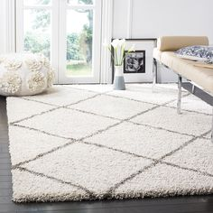 Amazon.com: Safavieh Hudson Shag Collection SGH281A Ivory and Grey Area Rug, 8 feet by 10 feet (8' x 10'): Kitchen & Dining