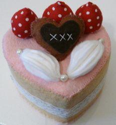 Felt cake heart
