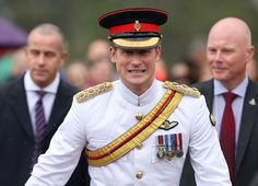 """Pin for Later: Prince Harry's Reaction to a Boy's """"Red Heads Rule!"""" Sign Is Priceless"""
