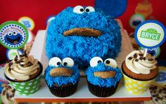 Leslie S's Birthday / Cookie Monster - Photo Gallery at Catch My Party Cookie Monster Party, Monster Birthday Parties, Birthday Fun, Birthday Ideas, Birthday Cake, Wedding Cake Cookies, Cupcake Cookies, Baking Cookies, Cupcake Wrappers