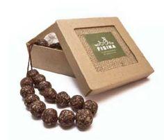 Geschenkdoos met zeepkralen van natuurlijke handgemaakte zeep op basis van bio olijfolie, met kruidnagel en kaneel. Ruimteverfrisser of voor de linnenkast.