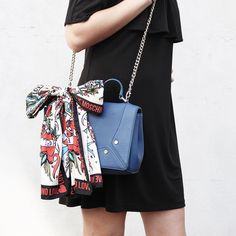 ABOUTKISURA // We are in Love with her Moschino Bag 💕 #KISURA #AboutKISURA #personalstylist #styleinspiration #offshoulderdress #superga #potd #ootd #outfit #moschino