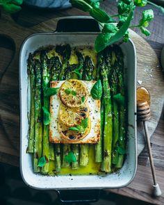 Feta Pasta, Asparagus Pasta, I Love Food, A Food, Food And Drink, Veggie Recipes, Vegetarian Recipes, Cooking Recipes, Healthy Spring Recipes