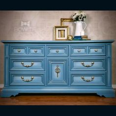 This Stanley dresser has chalk painted in light blue with blended highlights. #dixiebellepaint #bowtietreasures Chalk Paint Dresser, Blue Chalk Paint, Chalk Paint Furniture, Furniture Design, Blue Dresser, Dresser Drawers, Painted Furniture For Sale, Hand Painted Dressers, Dusty Blue