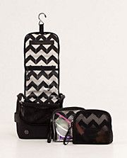 We love this 'Sink Shower Travel Kit' from Lululemon! Keep all your gym toiletries dry and organized, making it easier to zip in & out of the gym.