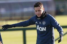 Manchester United midfielder Ander Herrera reveals his pre-match ritual is to text his mum #manchester #united #midfielder #ander #herrera…