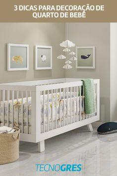 1 - Opte por cores claras e delicadas; 2 - Harmonize quadros e itens decorativos; 3 - Escolha um porcelanato neutro e versátil. E pronto! O local estará pronto para aguardar o(a) pequenino(a). Cribs, Bed, Furniture, Home Decor, Nursery Decor, Decorating Tips, Cots, Decoration Home, Bassinet