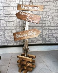 A sign that plays a role as a signboard to entertain guests at a wedding … – Wedding Photos Wedding Signs, Diy Wedding, Clothing Store Design, Pub Interior, Sign Board Design, Pub Decor, Vintage Cafe, Japan Design, Business Signs