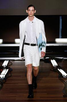 Devon Halfnight LeFlufy Spring 2016 Ready-to-Wear Fashion Show Mens Fashion Week, Runway Fashion, Fashion Show, Men's Fashion, Erin Mommsen, New Paris, Spring Summer 2016, Devon, Male Models