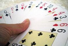 Cinco trucos de magia para sorprender a los niños Magic Tricks For Kids, Mexico Travel, Playing Cards, Cool Stuff, Children, Birthday, Summer, Kids Magic Tricks, Clowns