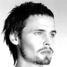 Whether you want a short mullet or a long rattail, we have all the mullet haircut pictures you need to see. From to mullets, find it all here! Modern Mullet Haircut, Short Mullet, Small Hair Cut, Long Hair Cuts, Mohawk Hairstyles Men, Haircuts For Men, Glam Rock, G Dragon Hairstyle, Beard Fade