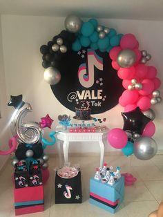 14th Birthday Party Ideas, Barbie Birthday Party, Happy Birthday Parties, 11th Birthday, Birthday Balloons, Girl Birthday, Family Birthdays, Tik Tok, Party Planning