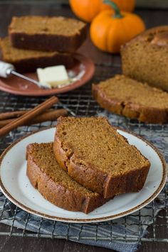 This recipe tastes just like Starbucks Pumpkin Pound Cake - takes 15 minutes to prep, you will want to share this with friends and family! Can be made in muffin, mini muffin or mini loaf pans- Vegan Starbucks Pumpkin Bread, Pumpkin Loaf, Pumpkin Dessert, Starbucks Pumpkin Pound Cake Recipe, Healthy Pumpkin Bread, Pumpkin Spice, Loaf Recipes, Cake Recipes, Dessert Recipes