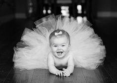 Bébé Ballerine ! Black and white baby pic // Bébé photo noir et blanc.