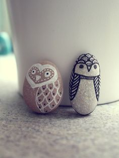 Cute pebble owls. Can also be turned into magnets.