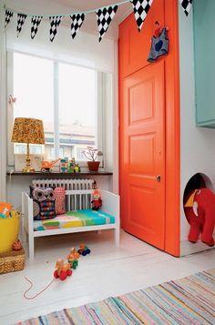 Children`s Paradise. Kids room with bright orange door. Kid Spaces, Kids Decor, Boy Decor, Kids Bedroom, Kids Rooms, Upstairs Bedroom, Bedroom Apartment, Bedroom Decor, Boy Room