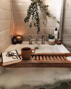 """Este acessório para a banheira é um """"must have"""". Style Deco, Dream Bathrooms, Dream Rooms, First Home, Hygge, House Rooms, Bathroom Inspo, Bathroom Inspiration, Home Decor Inspiration"""