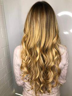 Glamorous Hair, Glamour, Long Hair Styles, Beauty, Long Hairstyle, Long Haircuts, The Shining, Long Hair Cuts, Beauty Illustration